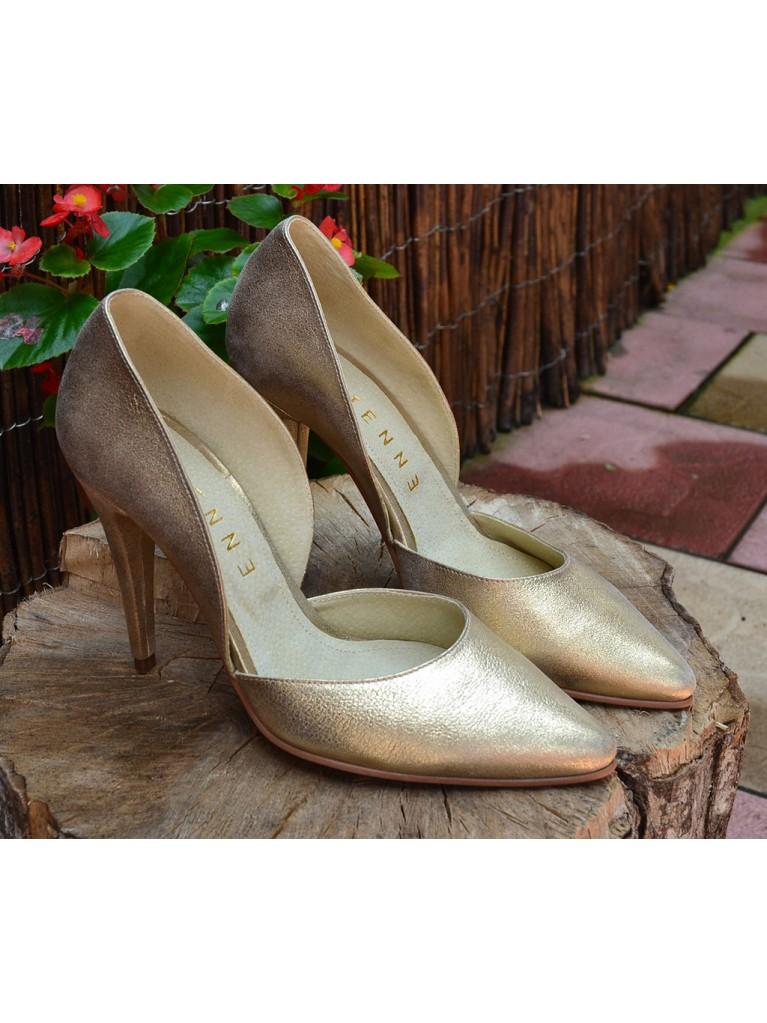 pantofi stiletto decupati in laterale aurii