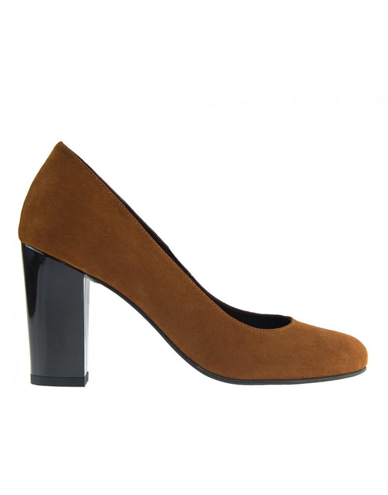pantofi cu toc mediu gros din piele intoarsa maro