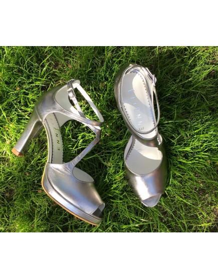 sandale de mireasa argintii cu platforma si cu bareta