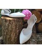 balerini albi decupati cu bareta pe glezna