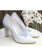 Pantofi albi de mireasa stiletto