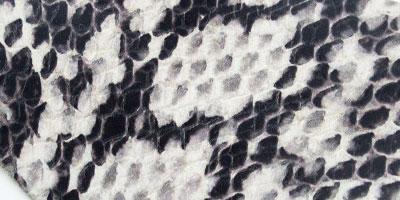 piele snake print alb